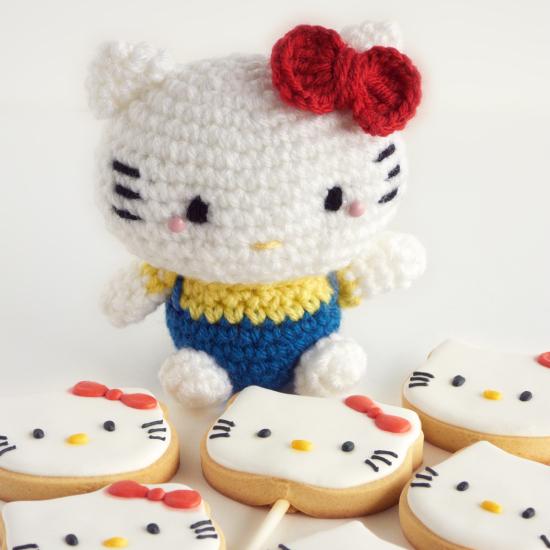 Amigurumi De Hello Kitty : Galletas y amigurumi de Hello Kitty - IFeelCook