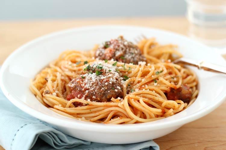 recetas para espaguetis con albóndigas